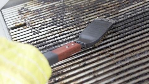 How to maintain your grill