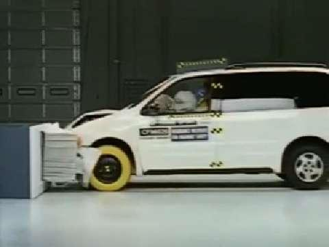 Oldsmobile Silhouette crash test 1997-2004
