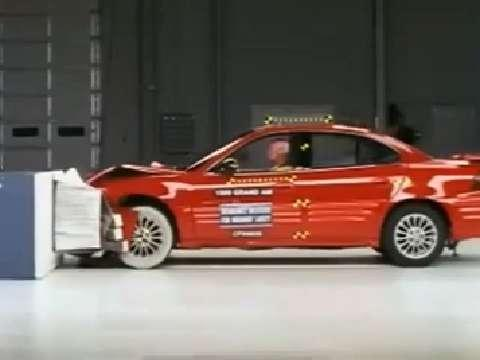 Oldsmobile Alero crash test 1999-2004
