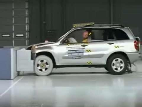 Toyota RAV4 crash test 2001-2005