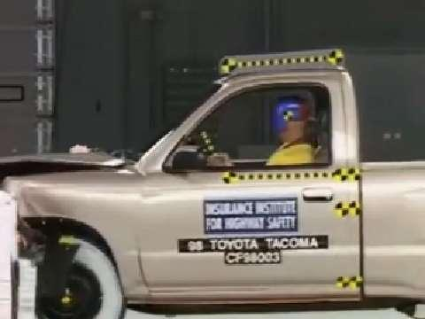 Toyota Tacoma crash test 1998-2004