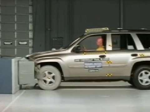 Oldsmobile Bravada crash test 2002-2004