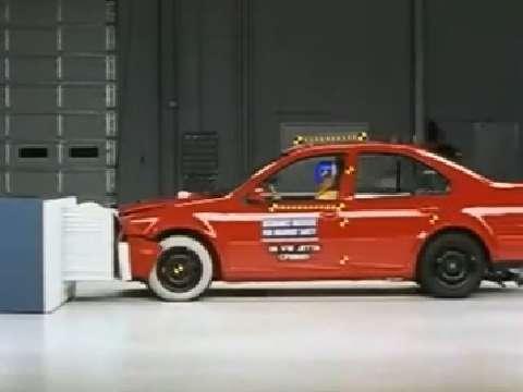 Volkswagen Jetta crash test 1999-2005