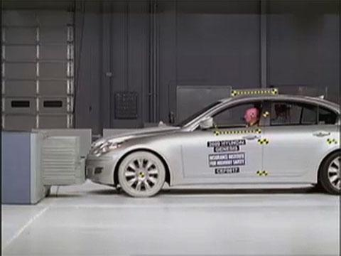 Hyundai Genesis crash test 2009-2012