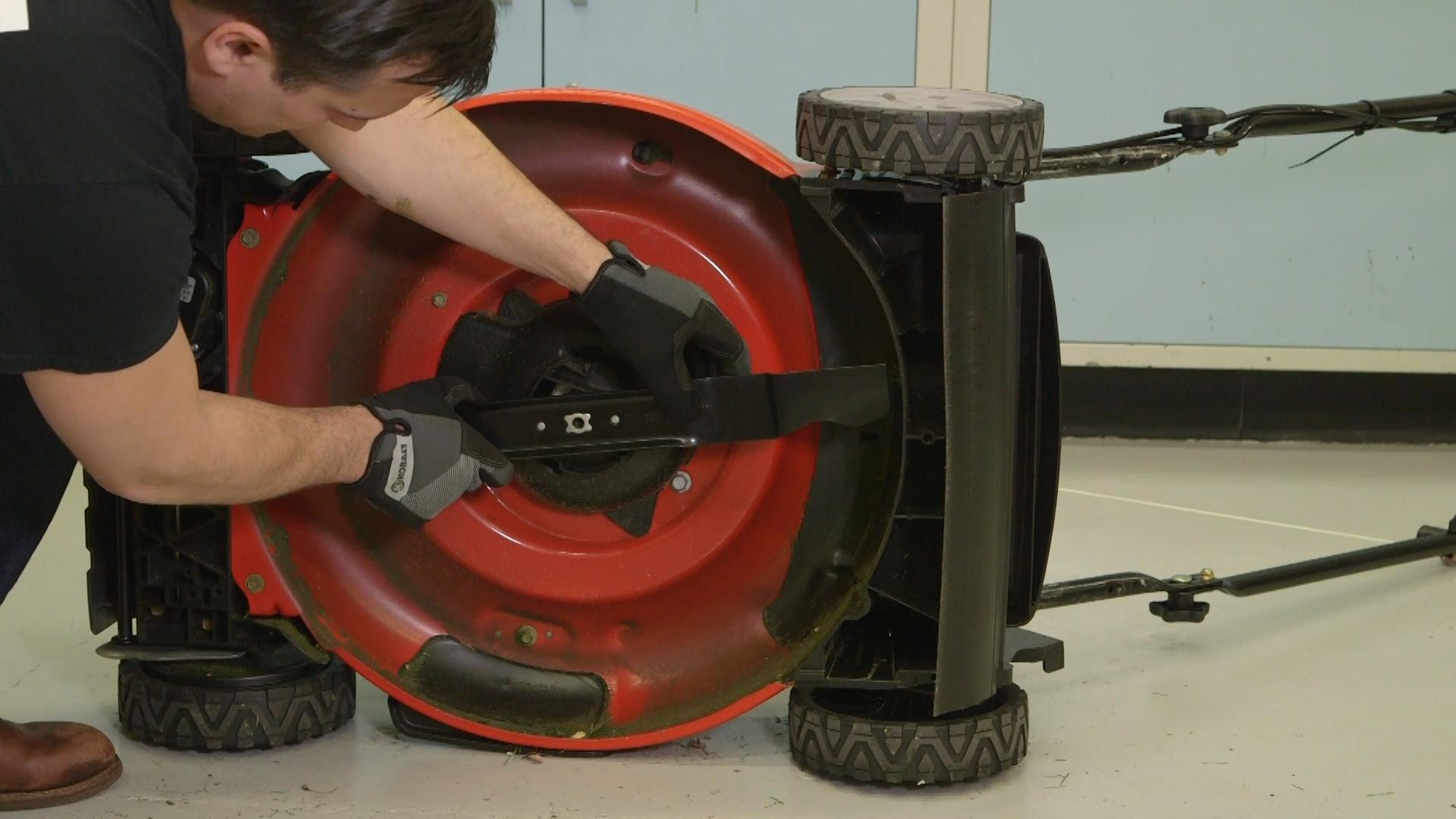 How to Replace a Lawn Mower Blade - Consumer Reports