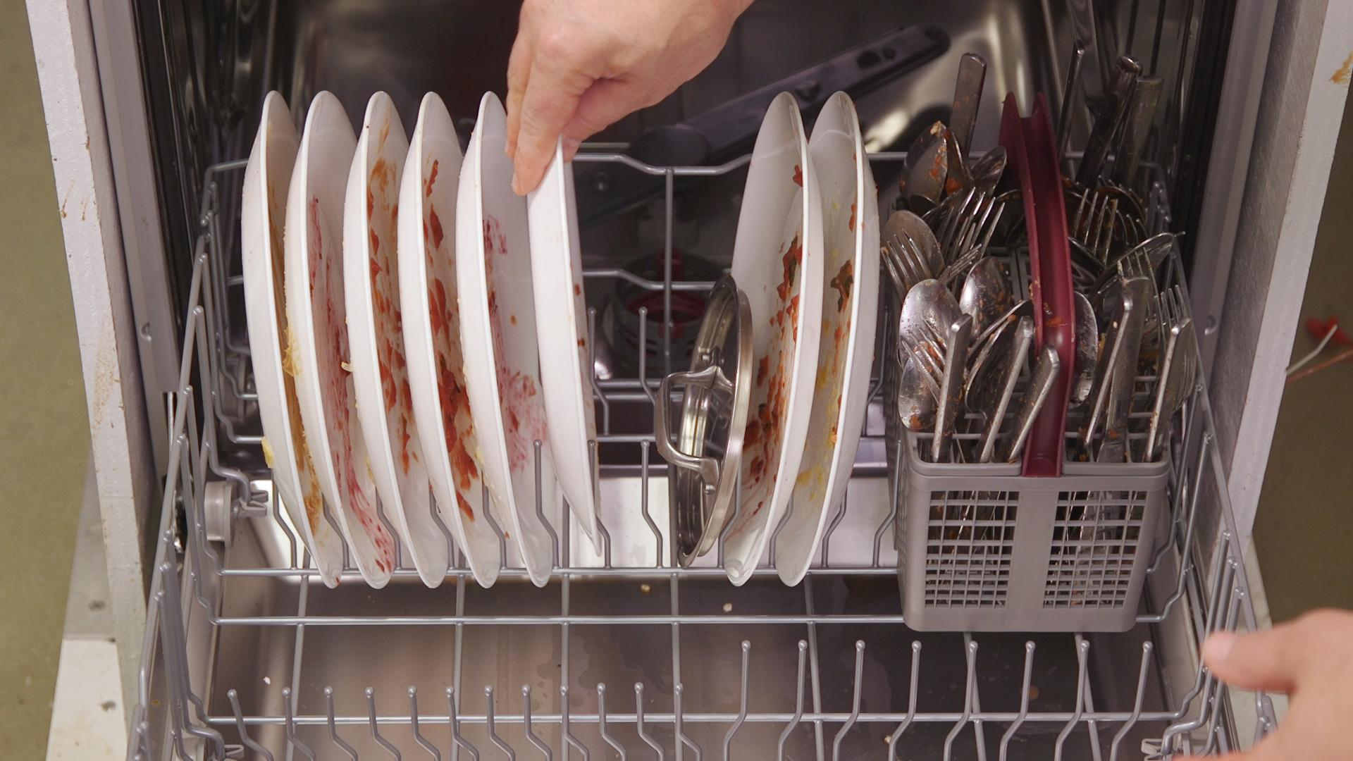 How to load the dishes in the dishwasher: how to use the dishwasher 57