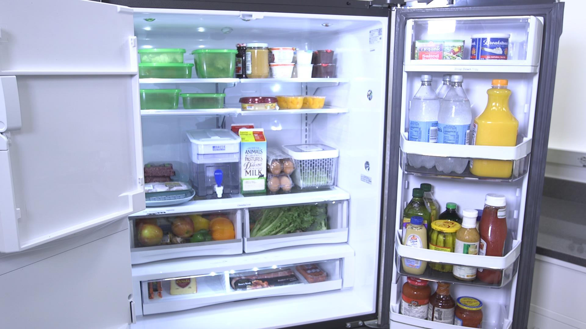Tips to eliminate bad smell in the fridge