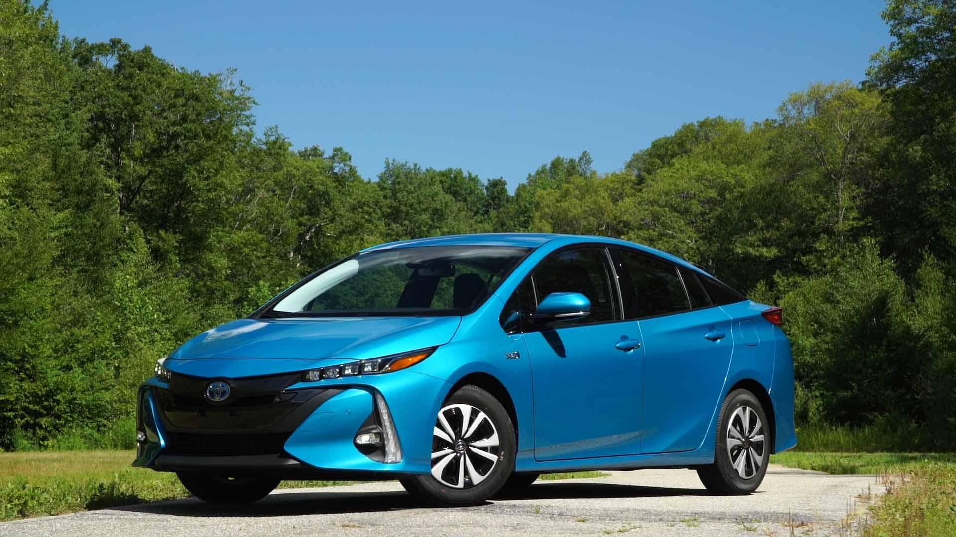 2017 toyota prius prime review geeked out green machine