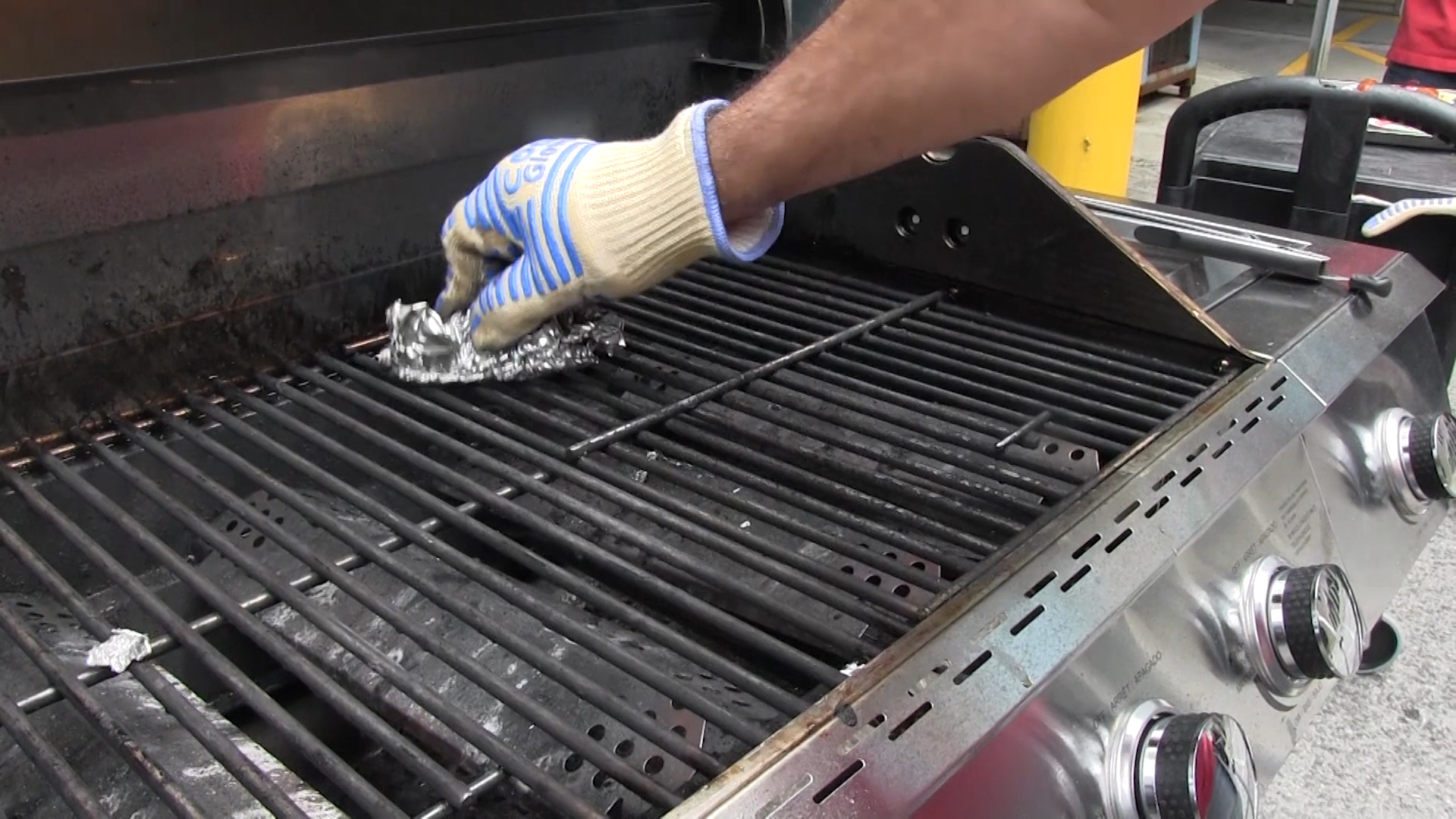 Guard Against Wire Grill Brush Dangers - Consumer Reports
