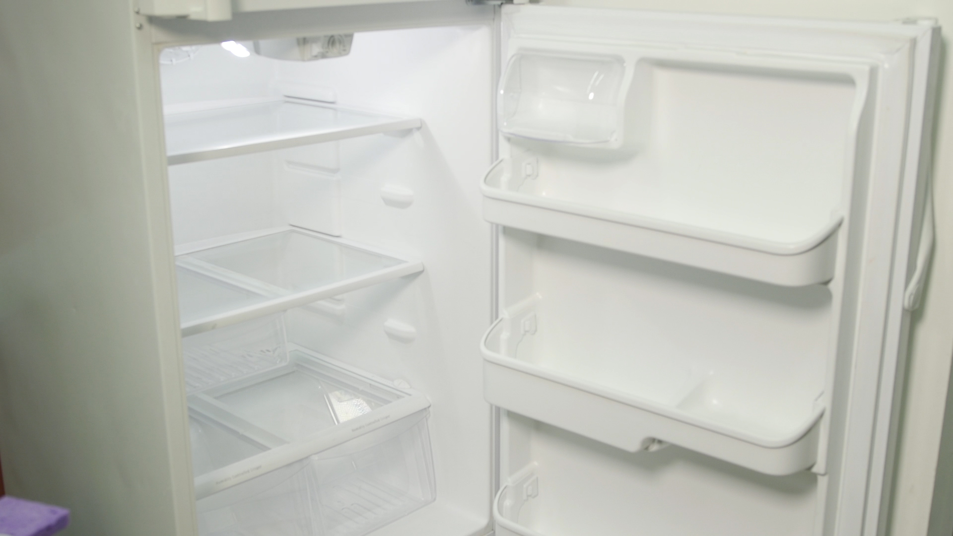 How To Clean A Smelly Fridge