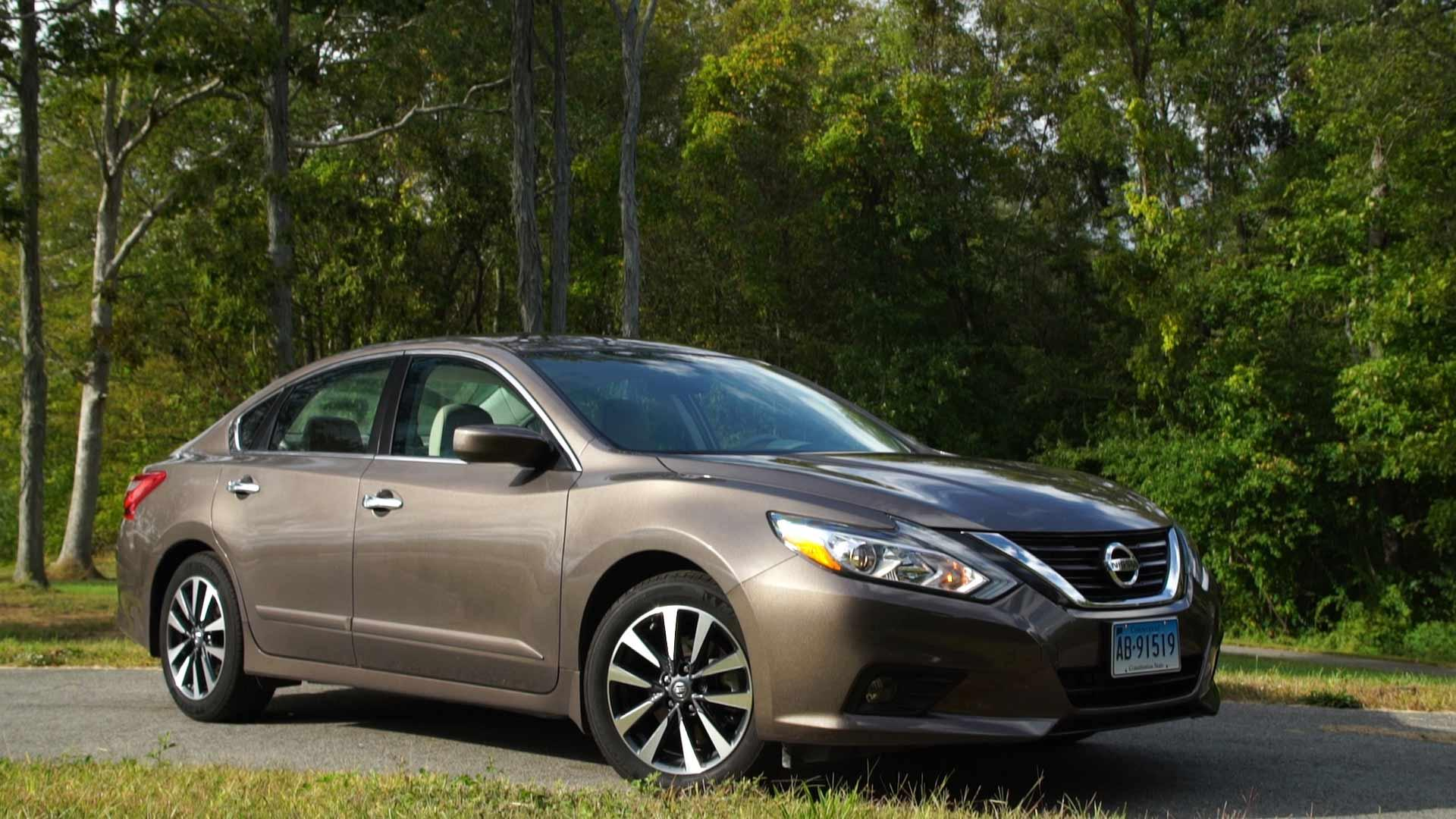 2017 Nissan Altima Has Only A Few Virtues Consumer Reports