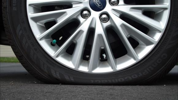 Autos Tips: Changing a Flat Tire