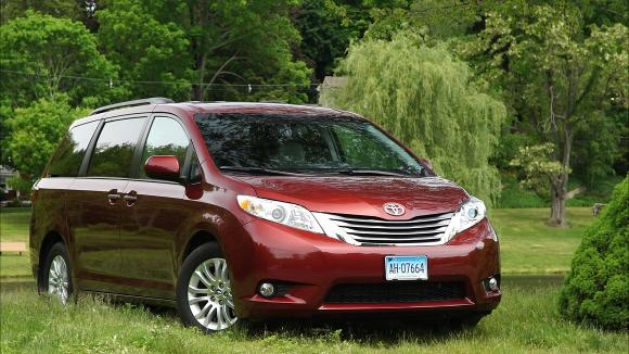 perfect se comfort minivan a needs releases everything mid convenience and the make do to family toyota sienna it does space