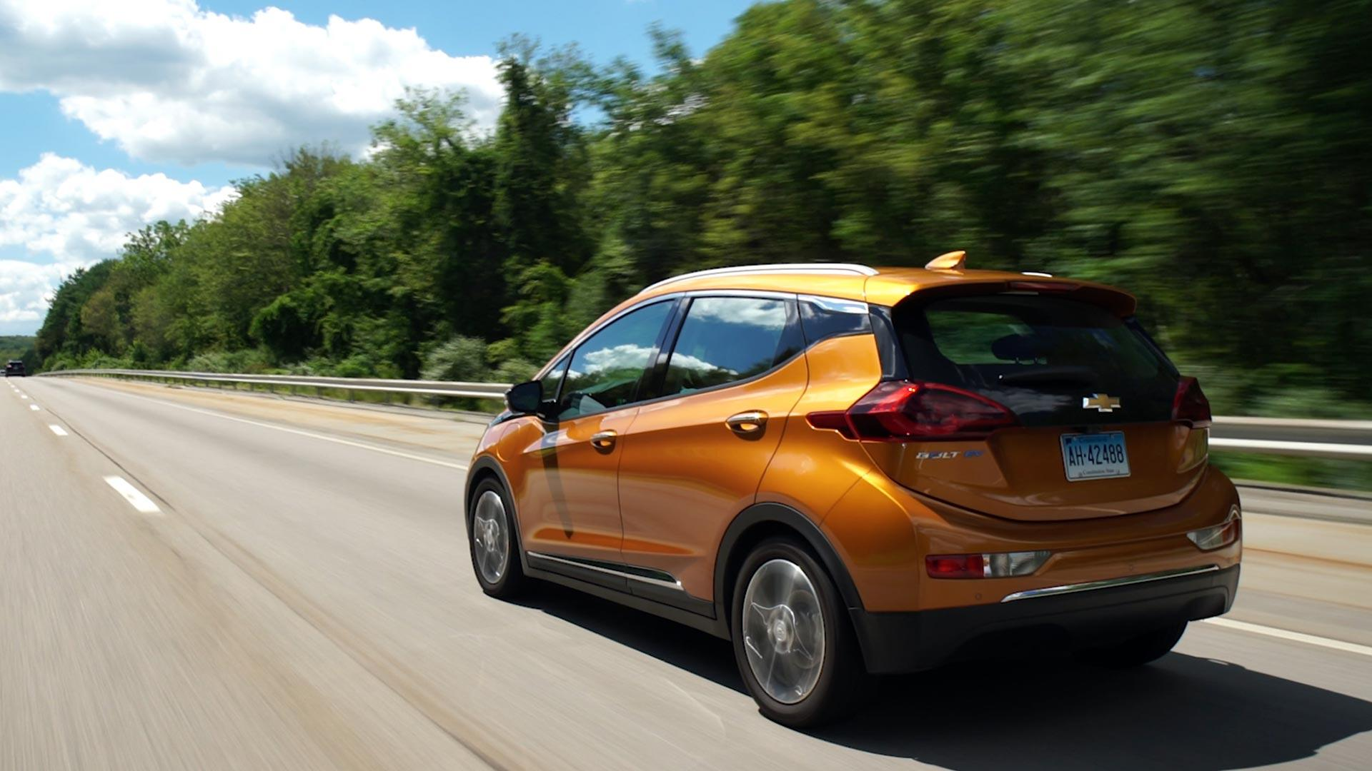 chevrolet bolt sets electric vehicle range record consumer reports