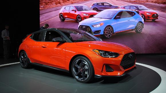 2018 Detroit Auto Show: 2019 Hyundai Veloster Stays Quirky