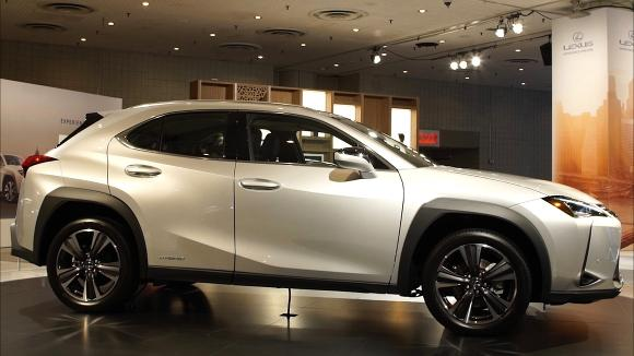 2018 New York Auto Show: 2019 Lexus UX