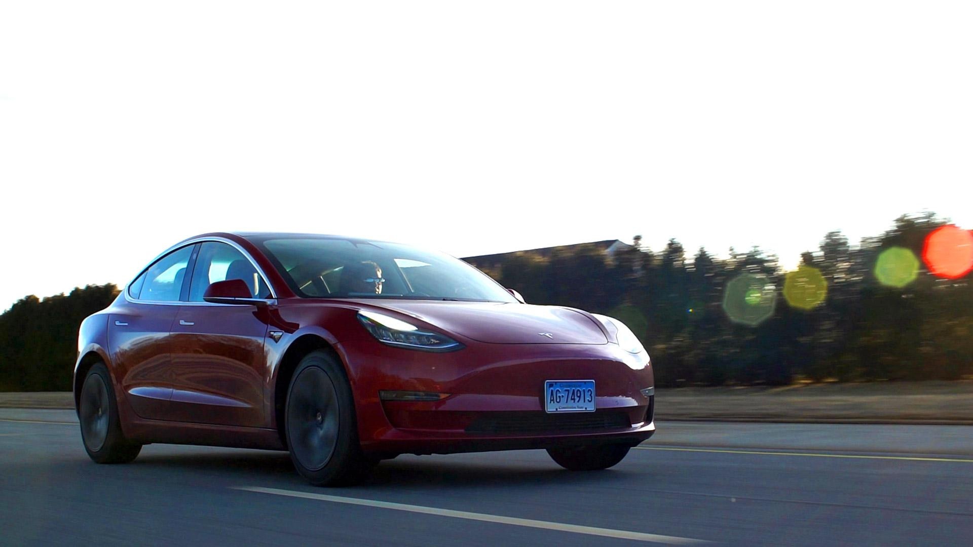 Talking Cars: What Tesla CEO Elon Musk Told CR About the Model 3