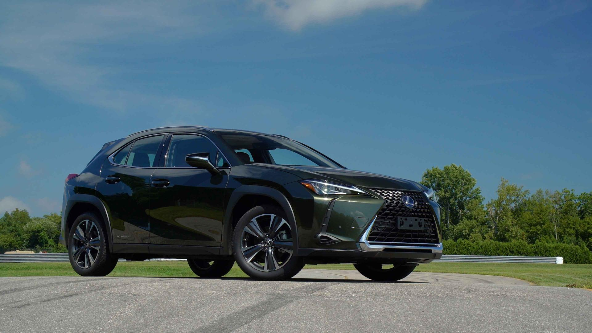 2019 Lexus Ux Hybrid Targets Young Urban Drivers Consumer Reports