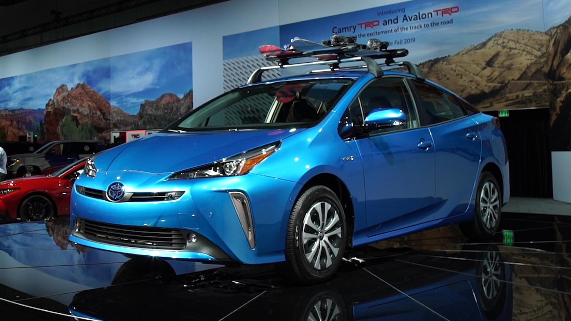 2019 toyota prius gets awd softer look consumer reports. Black Bedroom Furniture Sets. Home Design Ideas