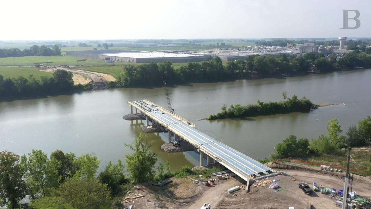 New Napoleon Bridge Approaches Its Halfway Point The Blade