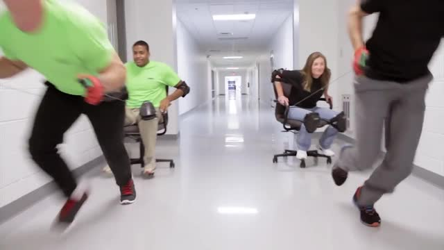 Push-In Relay Test -- Office Chair Race - Phoenix Contact
