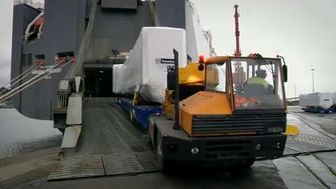 MACHINERY - Loading airportbridges, Video