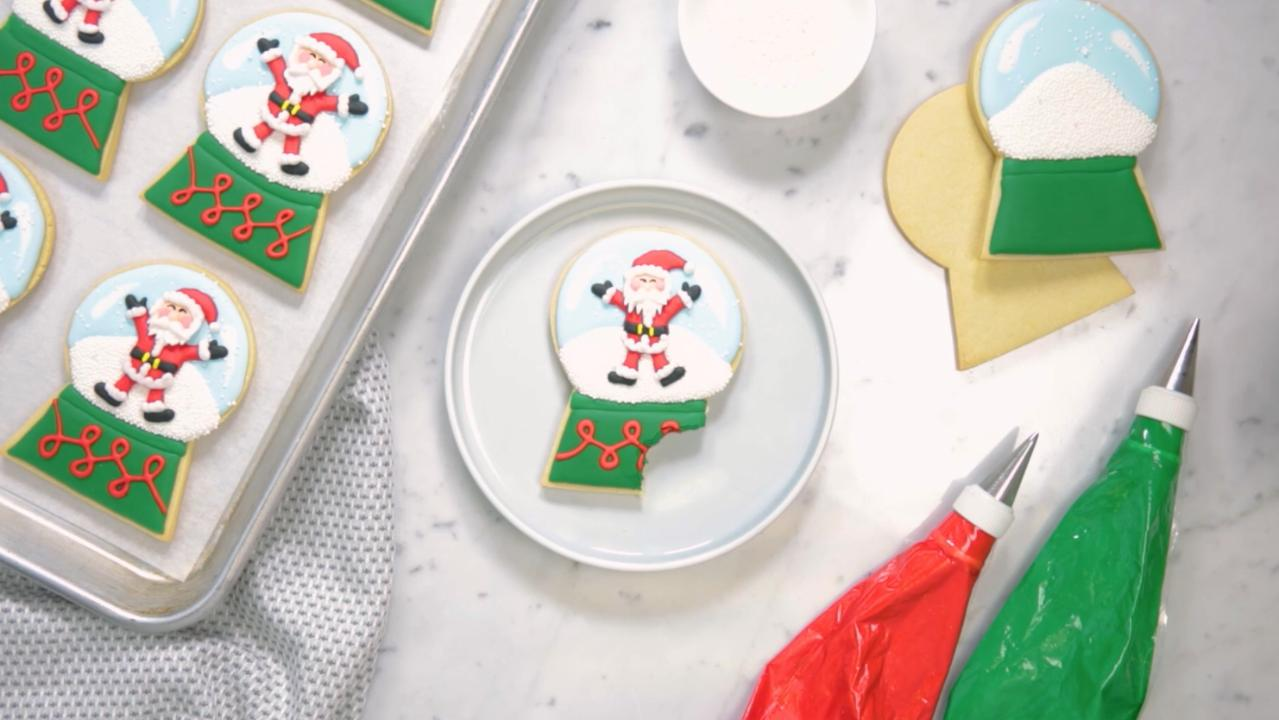 christmas cookie decorating idea santa snow globes