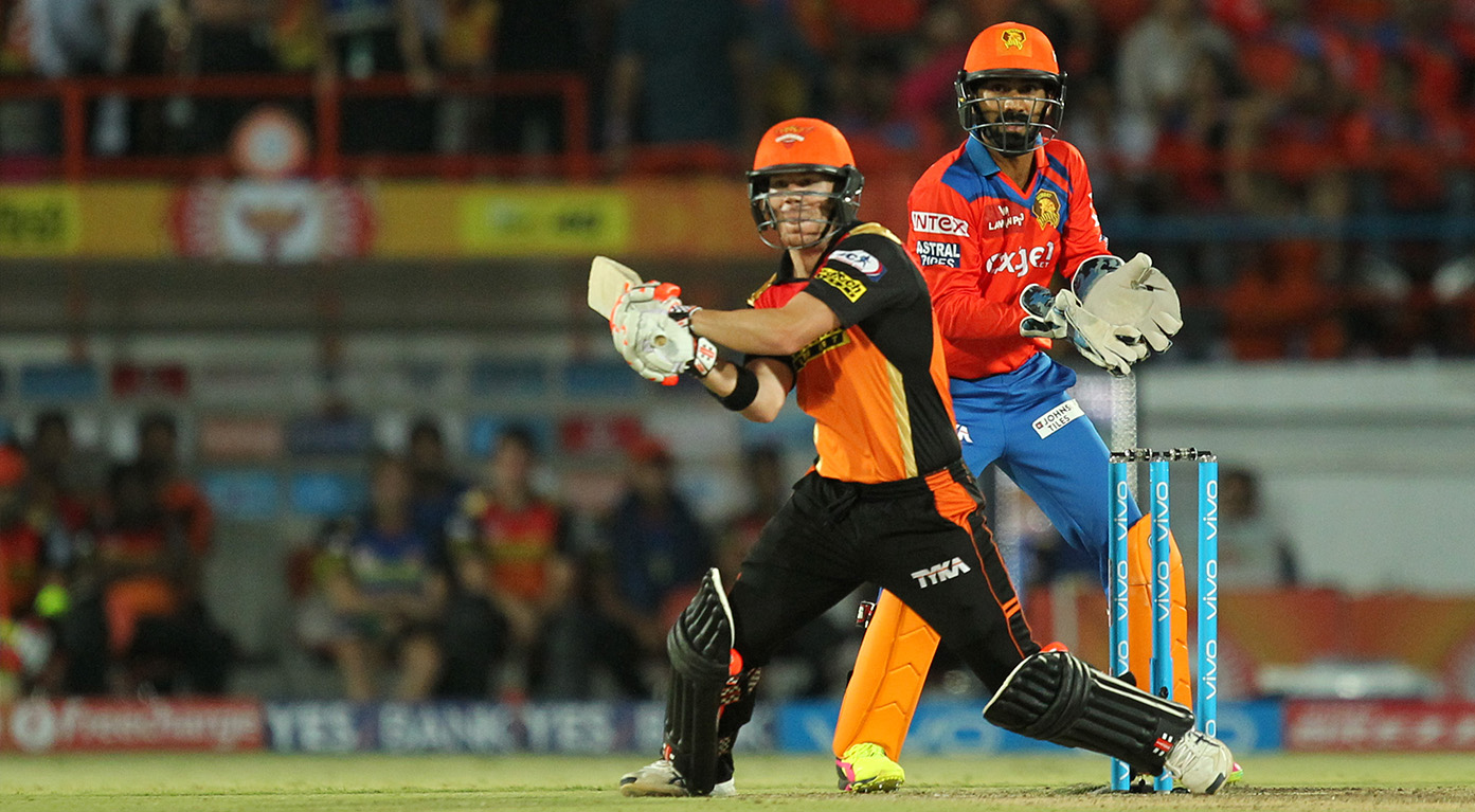 M15: GL vs SRH – David Warner 74*