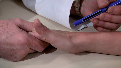 How to Examine the Wrist