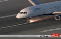 Jet Blue Nose Gear Fails On Landing