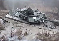 Russians Get T-90 Tank Stuck in the Mud
