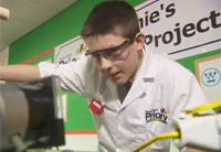 13-Year-Old Builds Nuclear Reactor