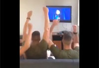 Marines Sing Along to Disney's 'Frozen'