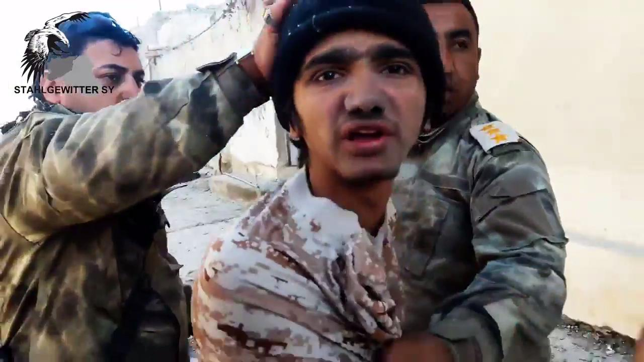 isis militant taken prisoner by iraqi soldiers