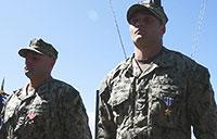 VCNO Presents Silver Star to EOD Sailor