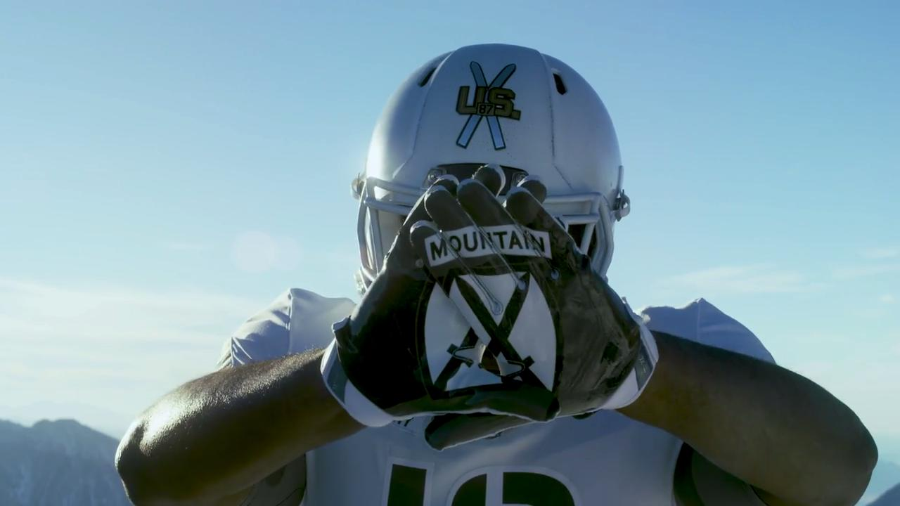 finest selection a1b55 b8997 Army Football Honors 10th Mountain with 'Pando Commando' Uniforms
